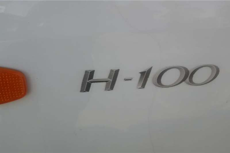 Used 2013 Hyundai H-100 Bakkie 2.6D deck