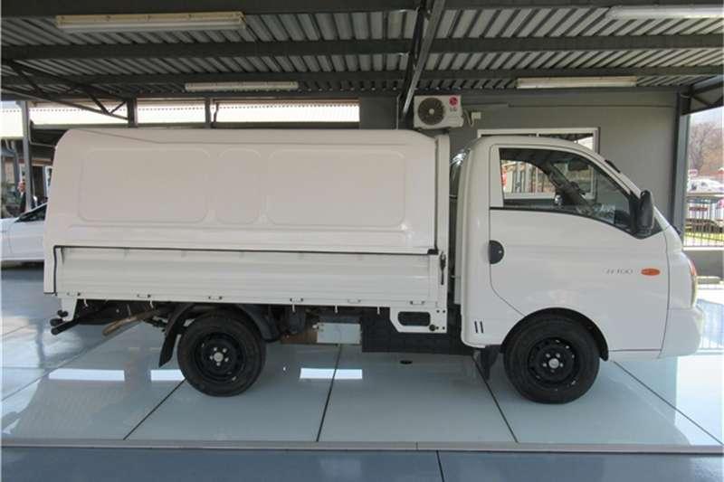 2015 Hyundai H-100 Bakkie 2.6D deck (aircon)