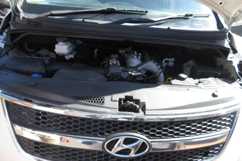 Hyundai H1 H-1 2.4 Multicab GL 2011