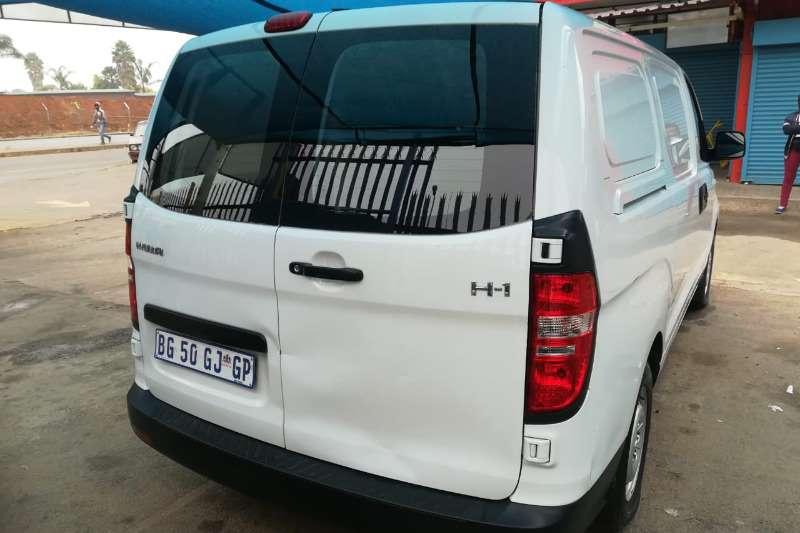 Hyundai H1 H 1 2.4 panel van GL (aircon) 2012