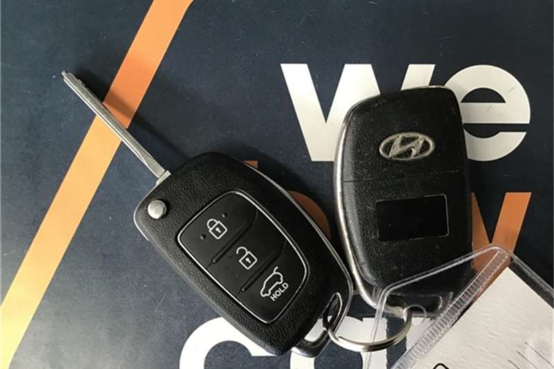 Hyundai i20 1.4 Fluid auto 2012