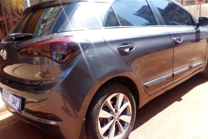 Hyundai I20 1.4 Fluid auto 2016