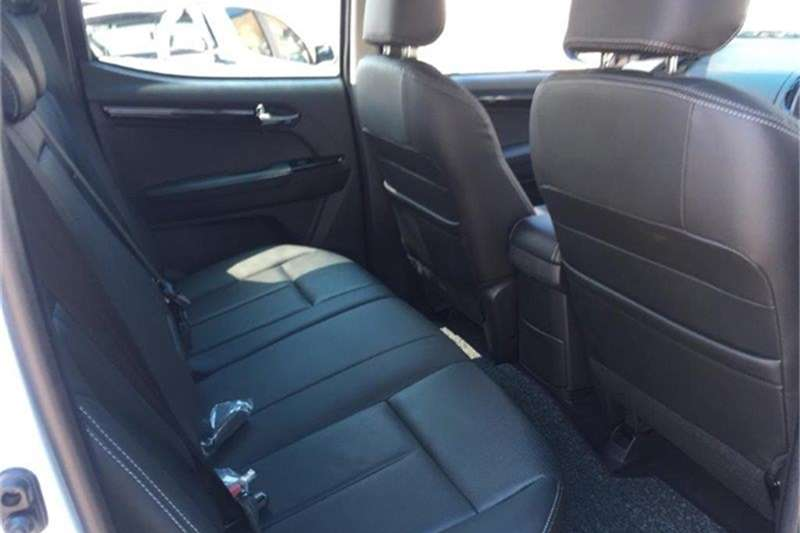 Isuzu D-Max Double Cab D MAX 300 LX 4X4 A/T D/C P/U 2020