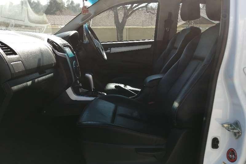 Used 2017 Isuzu D-Max Double Cab D MAX 300 LX A/T D/C P/U