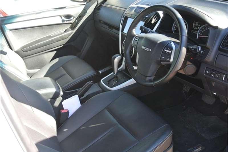 Isuzu D-Max double cab D-MAX 300 LX A/T D/C P/U 2019