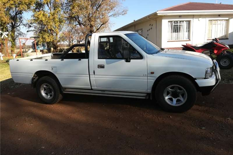 Used 1989 Isuzu Cars for sale in South Africa priced between