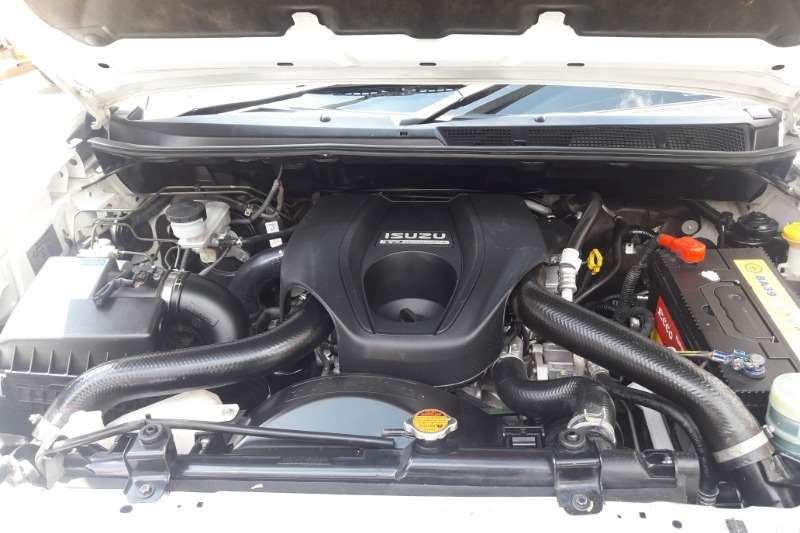 Isuzu KB 250D Teq double cab 4x4 LE 2015