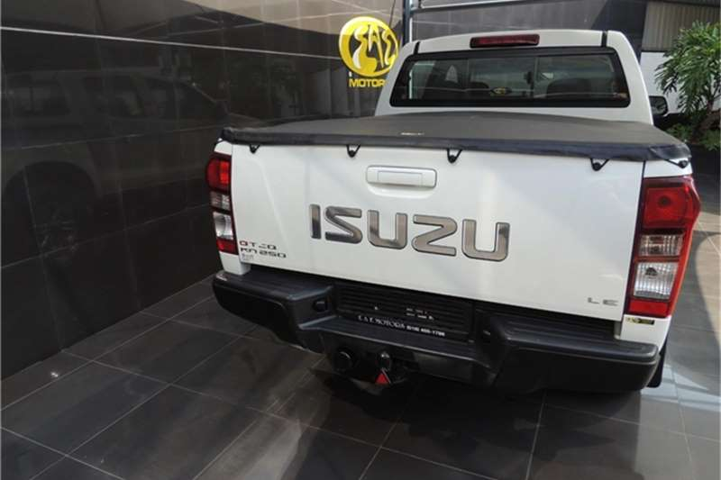 Isuzu KB 250D-Teq double cab LE 2016