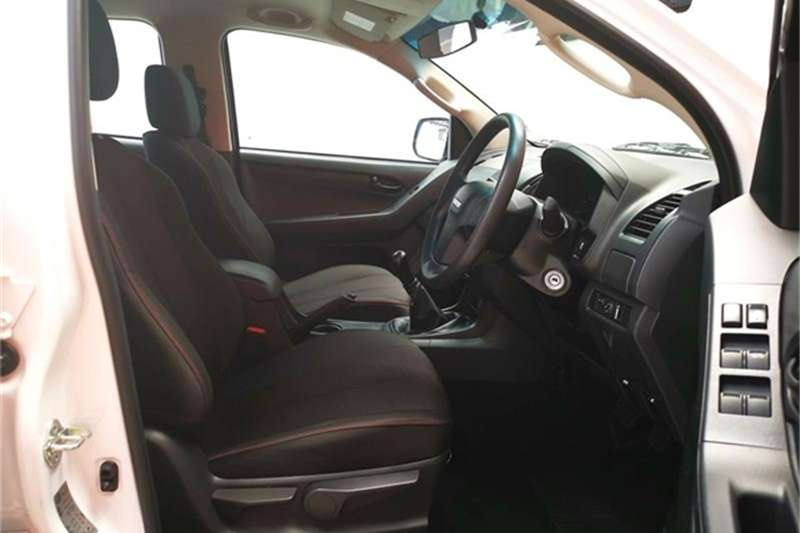 Isuzu KB 250D-Teq double cab LE 2017