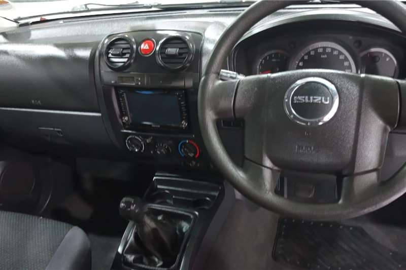 Used 2010 Isuzu KB 250D Teq Extended cab LE