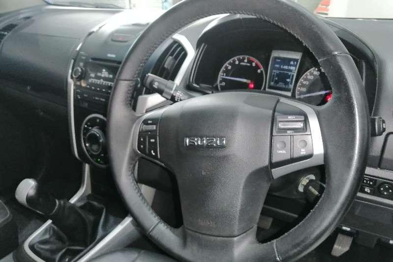 Isuzu KB 300 D Teq LX D/Cab 2015