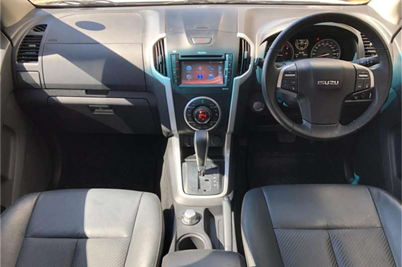Isuzu KB 300D-Teq double cab 4x4 LX auto 2018