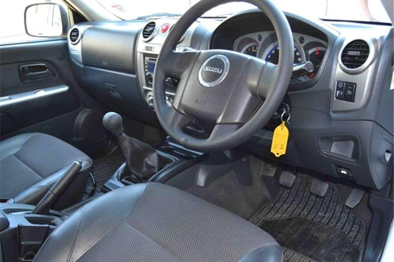 Isuzu KB 300D-Teq double cab LX 2010