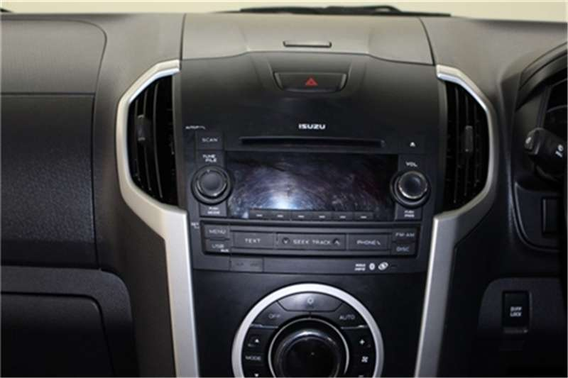 Isuzu KB 300D-Teq double cab LX 2014