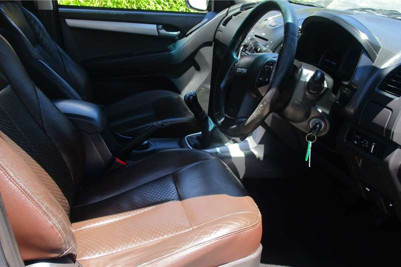 Isuzu KB 300D Teq double cab LX 2014