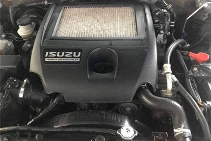 Isuzu KB 300D-Teq double cab LX automatic 2011