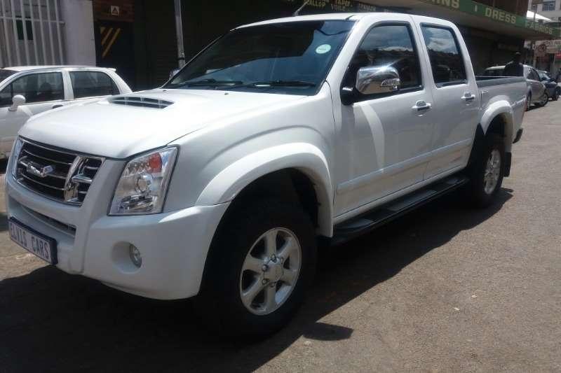 Isuzu KB 300D Teq Extended cab LX auto 2011