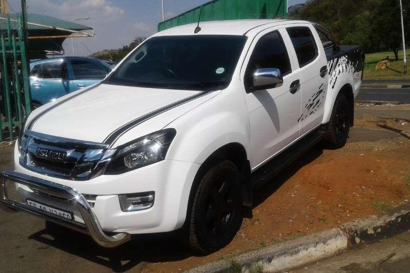 Isuzu KB 300D-Teq Extended cab LX auto 2016