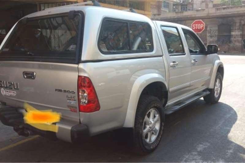 Isuzu KB 300TDI double cab 4x4 LX 2010