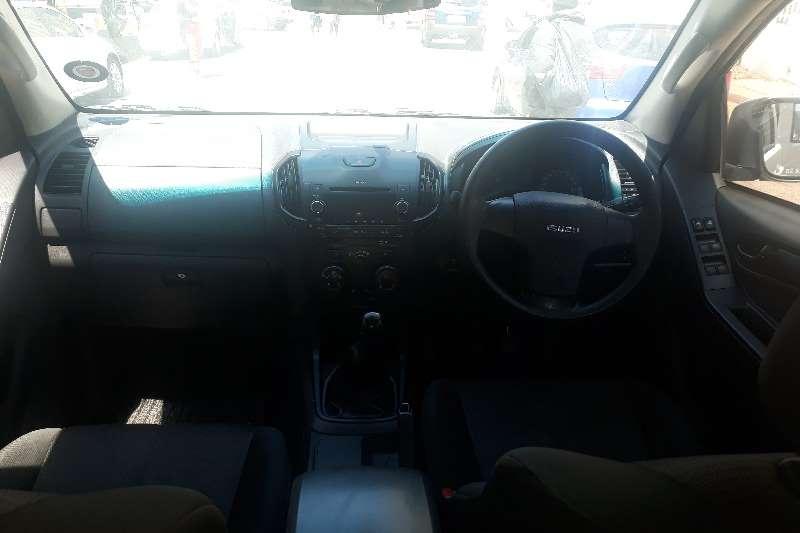 Isuzu KB Double Cab KB 250 D TEQ HO HI RIDER 4X4 P/U D/C 2015