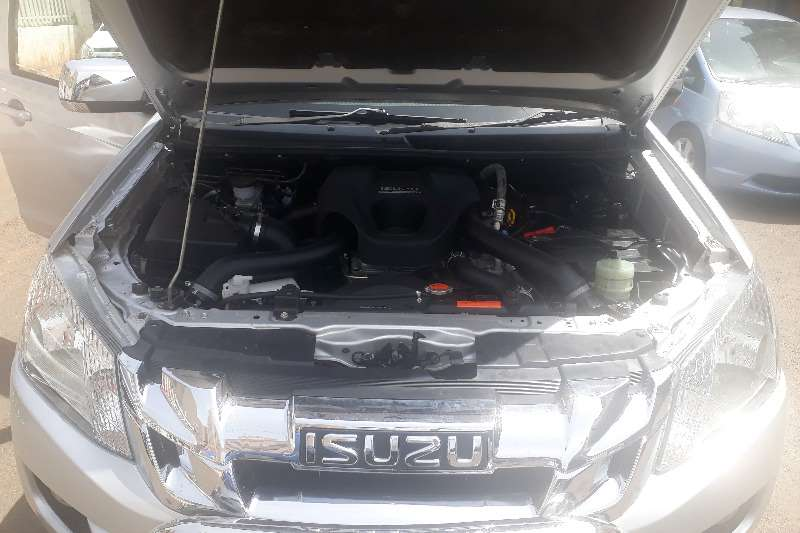 Isuzu KB Double Cab KB 250 D TEQ HO X RIDER 4X4 P/U /D/C 2014