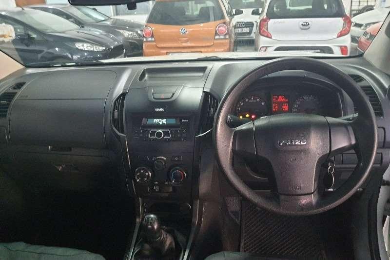 2015 Isuzu KB double cab KB 250 D-TEQ HO X-RIDER 4X4 P/U /D/C