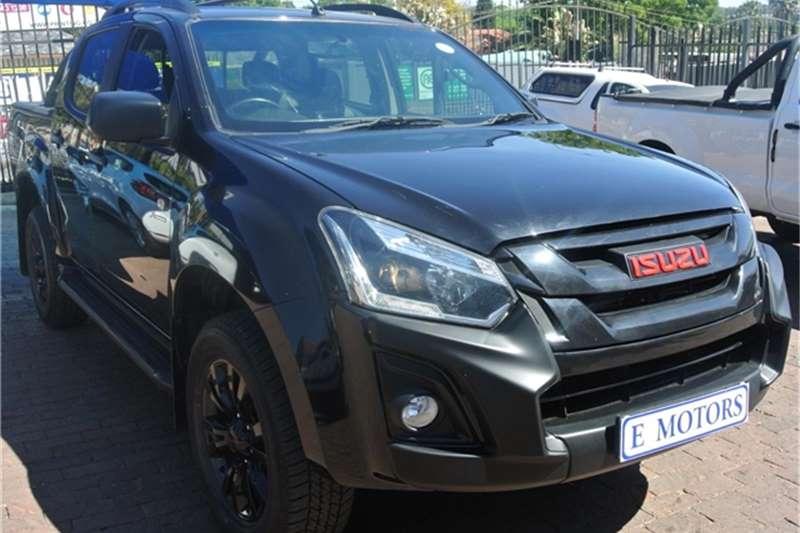 Isuzu KB Double Cab KB 250 D TEQ HO X RIDER BLACK P/U D/C 2019