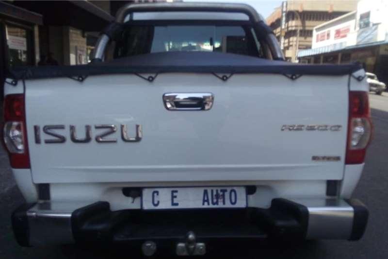 Isuzu KB Double Cab KB 300 D TEQ LX 4X4 P/U D/C 2013