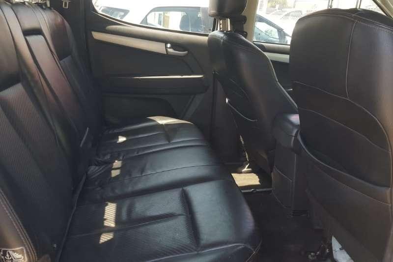 2017 Isuzu KB double cab KB 300 D-TEQ LX A/T 4X4 P/U D/C