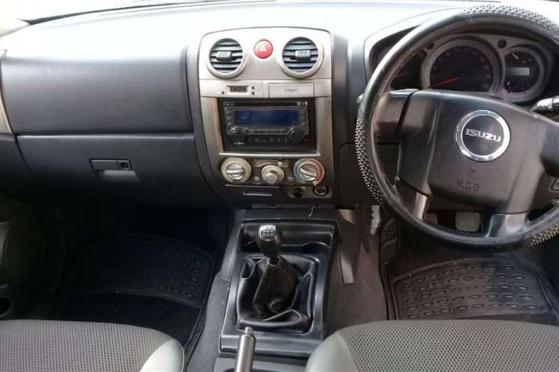 2010 Isuzu KB double cab KB 300 D-TEQ LX A/T P/U D/C