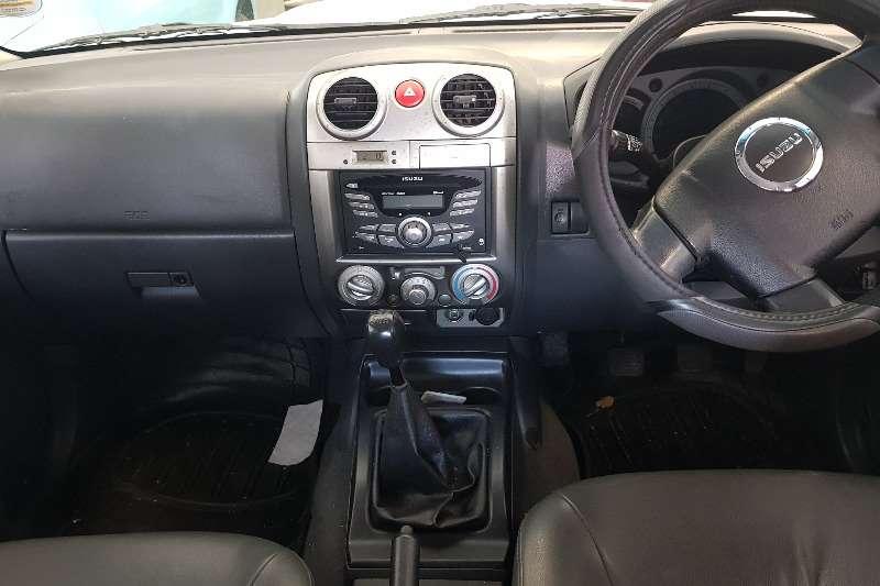 Isuzu KB Double Cab KB 300 D TEQ LX P/U D/C 2012
