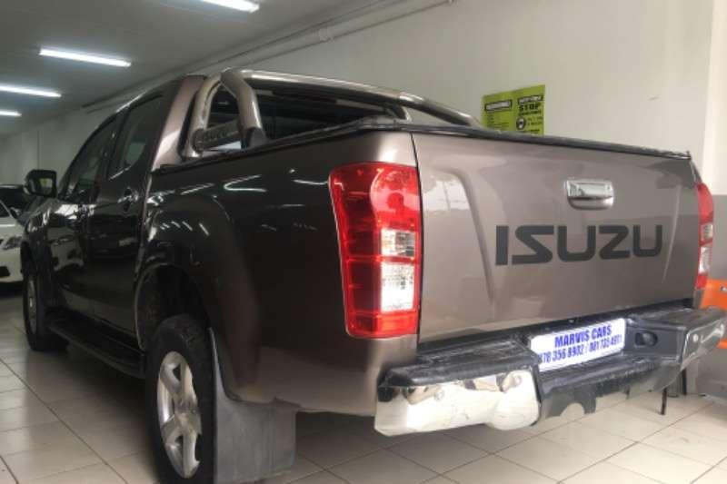 Isuzu KB Double Cab KB 300 D TEQ LX P/U D/C 2015