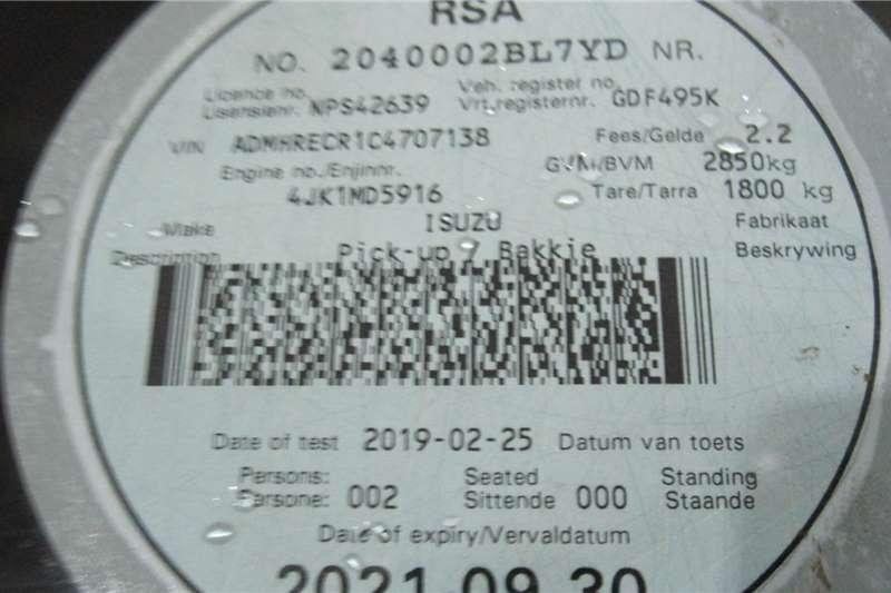 Isuzu KB Extended Cab KB 250D TEQ HO HI RIDER P/U E/CAB 2015