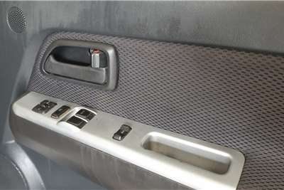 Isuzu KB Extended Cab KB 300 D TEQ LX P/U E/CAB 2009