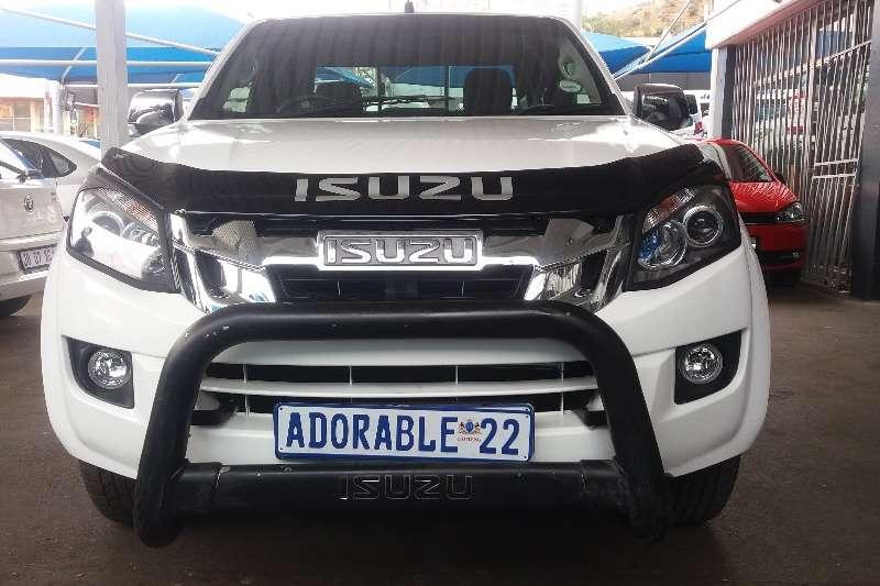 Isuzu KB Extended Cab KB 300 D TEQ LX P/U E/CAB 2014