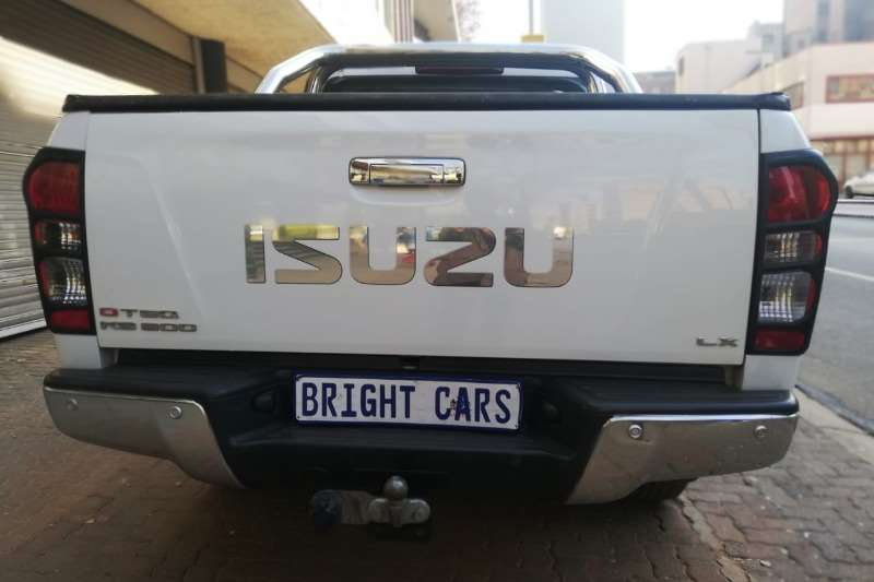 Isuzu KB Extended Cab KB 300 D TEQ LX P/U E/CAB 2015