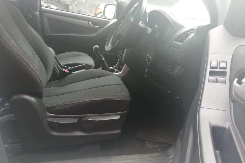 Isuzu KB Extended cab KB 300 D-TEQ LX P/U E/CAB 2016