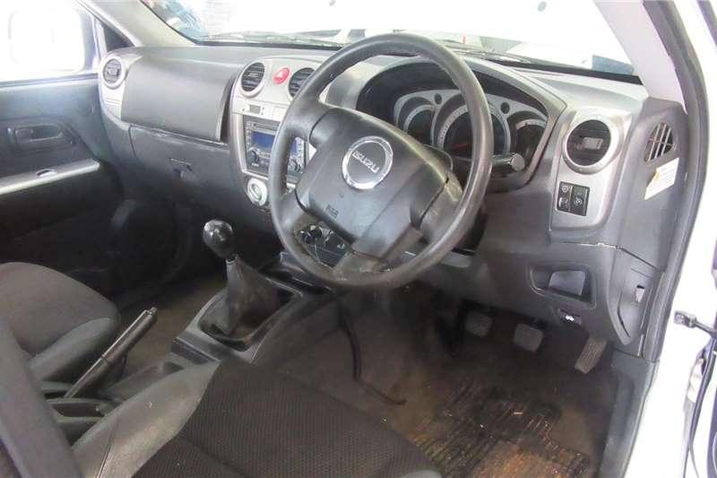 Isuzu KB Extended Cab KB300 D TEQ LX 4X4 P/U E/CAB 2008