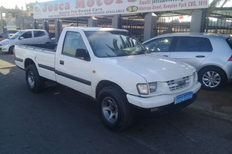 Isuzu KB Single Cab KB 250 D TEQ HO FLEETSIDE SAFETY P/U S/C 2002