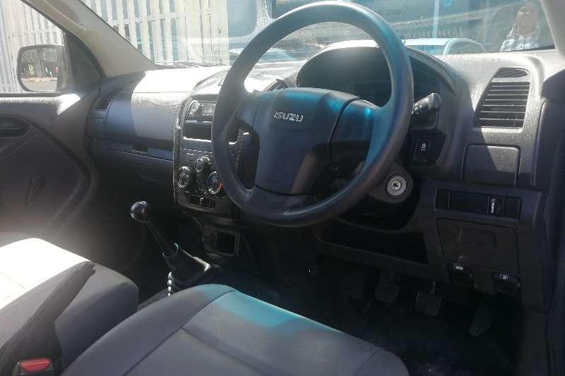 Isuzu KB Single Cab KB 300 D TEQ LX P/U S/C 2016