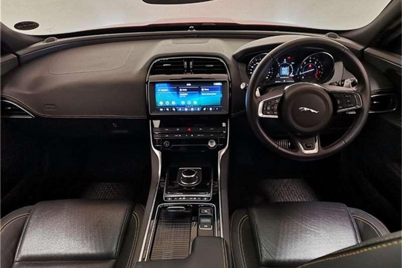 2019 Jaguar XE XE 2.0 R-SPORT A/T (221KW)