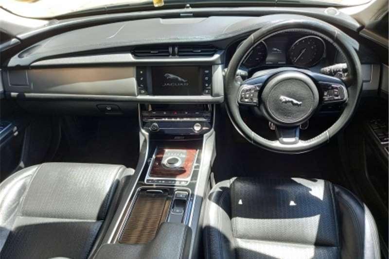 Jaguar XF 2.0 i4 Luxury 2016