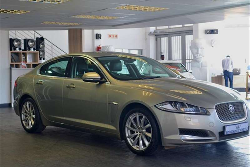 Jaguar XF 2.2D Luxury 2012