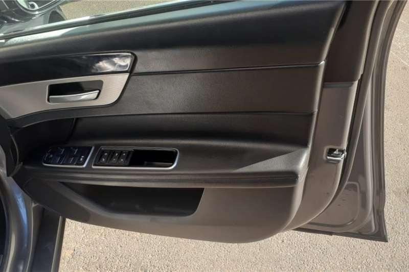 Jaguar XF 25t Portfolio 2016