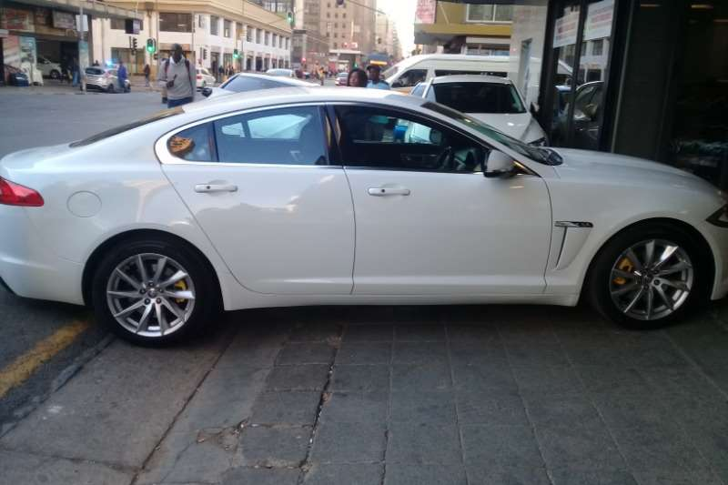 2014 Jaguar XF 2.0 D PRESTIGE