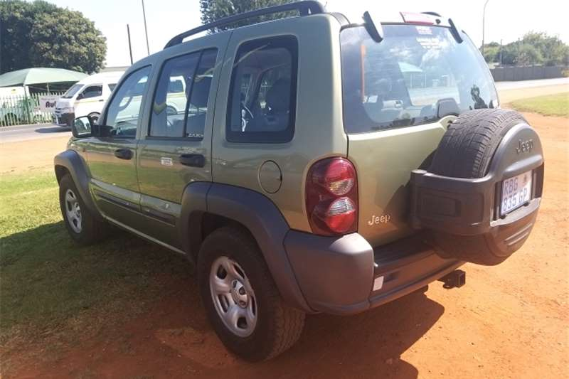 Used 2005 Jeep Cherokee 2.8LCRD Sport