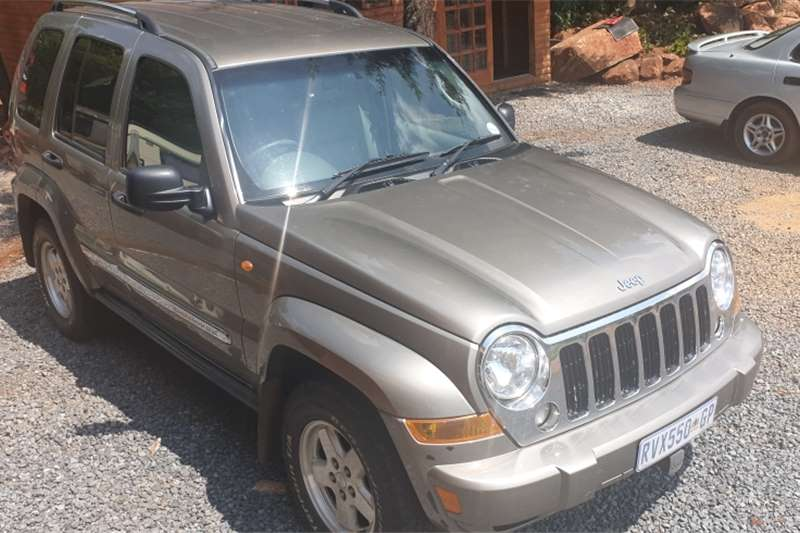 2005 Jeep Cherokee 3.7L Extreme Sport