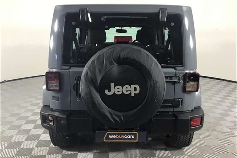 Jeep Wrangler Unlimited 3.6L Sahara 2014