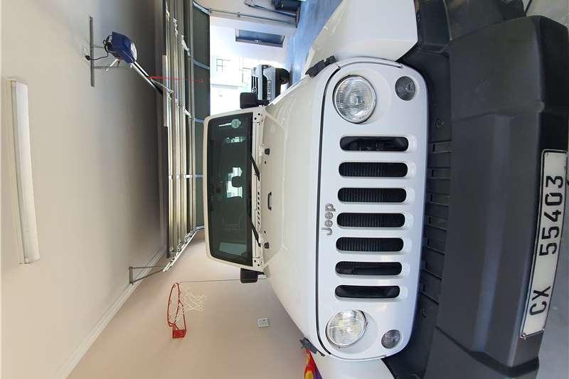 Jeep Wrangler Unlimited WRANGLER UNLTD SAHARA 3.6L V6 A/T 2015