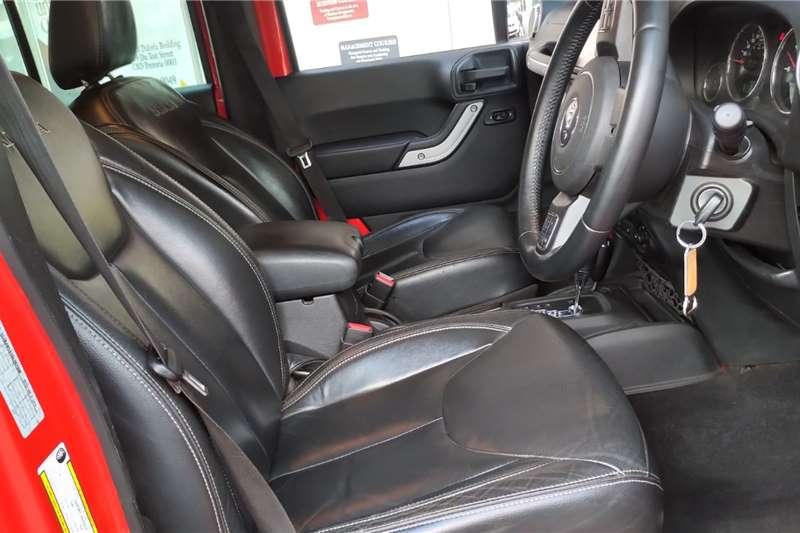 Jeep Wrangler Unlimited WRANGLER UNLTD SAHARA 3.6L V6 A/T 2016